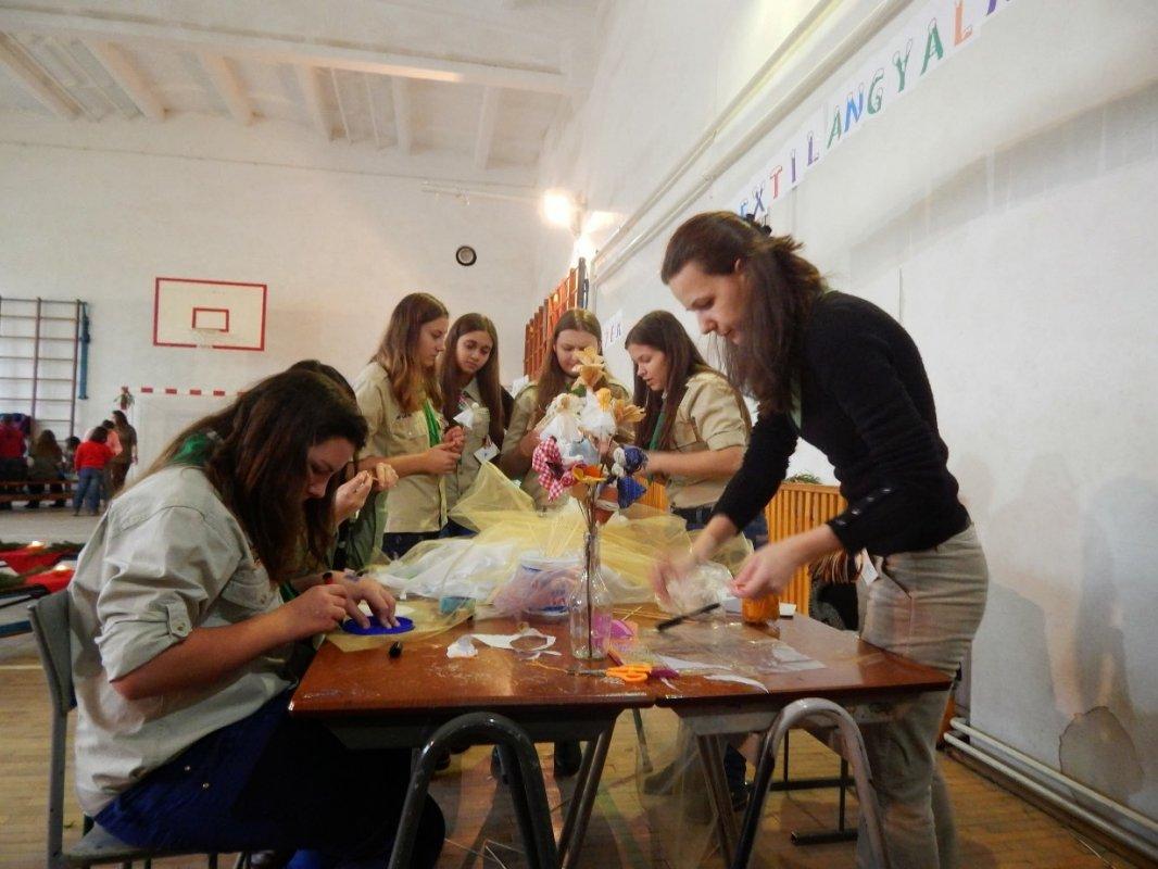 Textilangyalka, dióbaba és barátai - Adventi kézműves